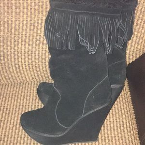 Fur- lined suede 61/2 boot